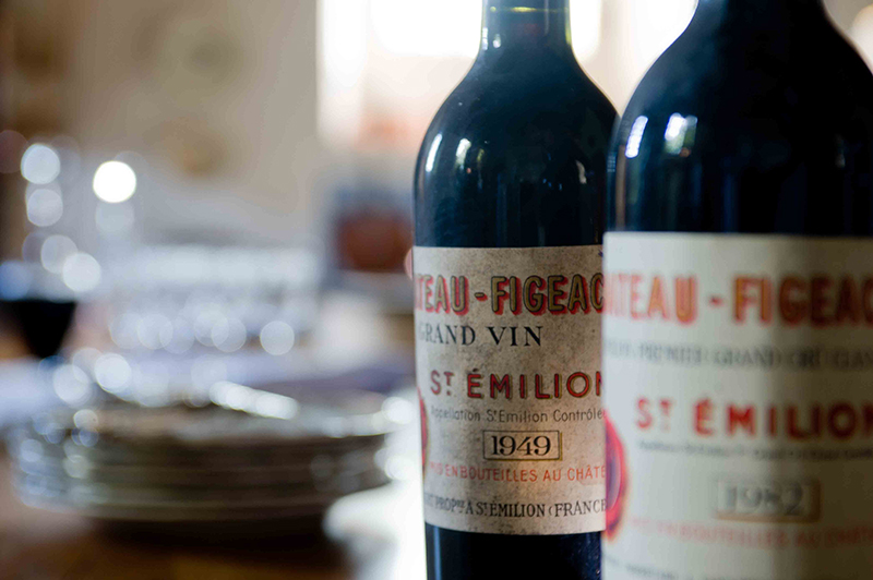 Chateau FIGEAC Futures 2016 bottles